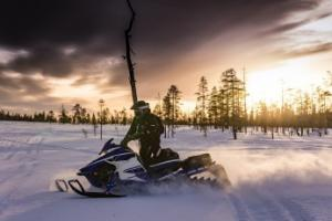 Co musisz wiedzieć o skuterach śnieżnych? - Atrakcje.pl