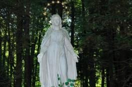 Krynica-Zdrój Atrakcja Pomnik Statua Najświętszej Maryi Panny - Królowej Krynickich Zdrojów